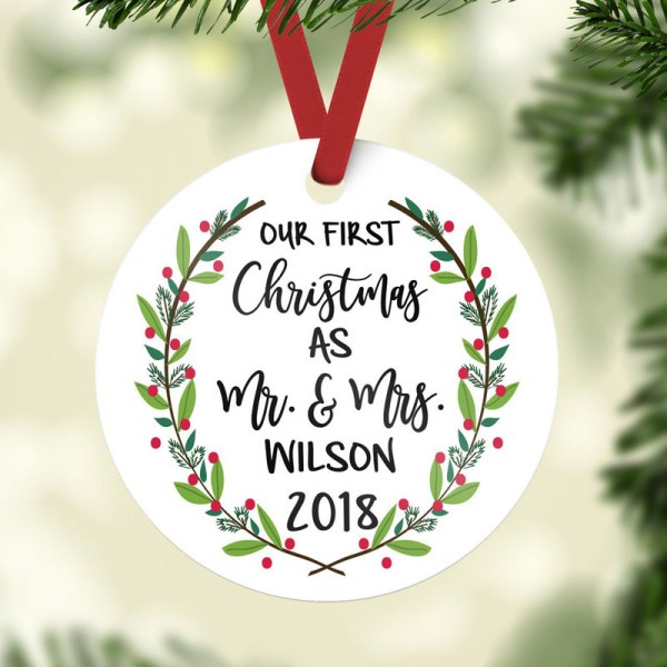 Mr&Mrs Newlywed Christmas Ornament