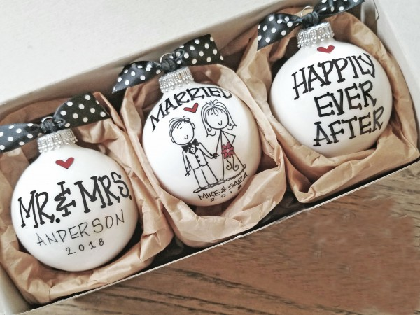 MR.& MRS. WEDDING ORNAMENT SET -2